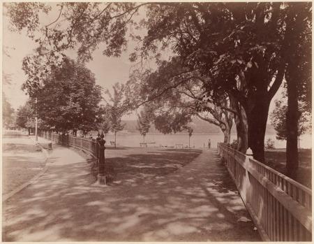 francis parkman house jamaica pond 1894 from pond st olmstead park.jpg